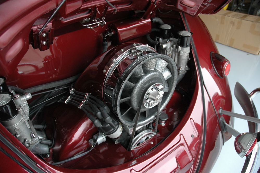 1963 VW Bug Convertible_Engine_05.JPG