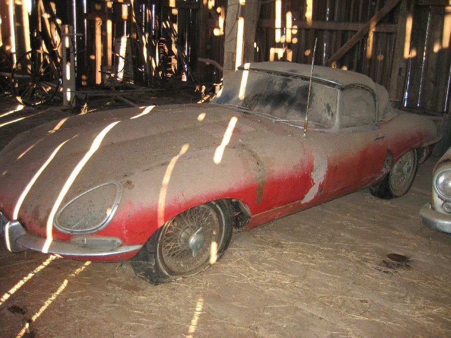 1969 stored in barn 1962 Jaguar XKE.jpg